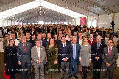 Las autoridades presentes, junto al presidente y gerente de Vicasol.
