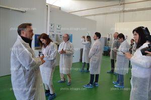 José Sáez, director de producción de Koppert España, durante sus explicaciones a los periodistas que acudieron a la visita
