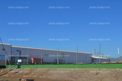 Fábrica de gas con que cuenta Koppert España en sus instalaciones de Águilas para controlar las condiciones de crecimiento de los enemigos naturales