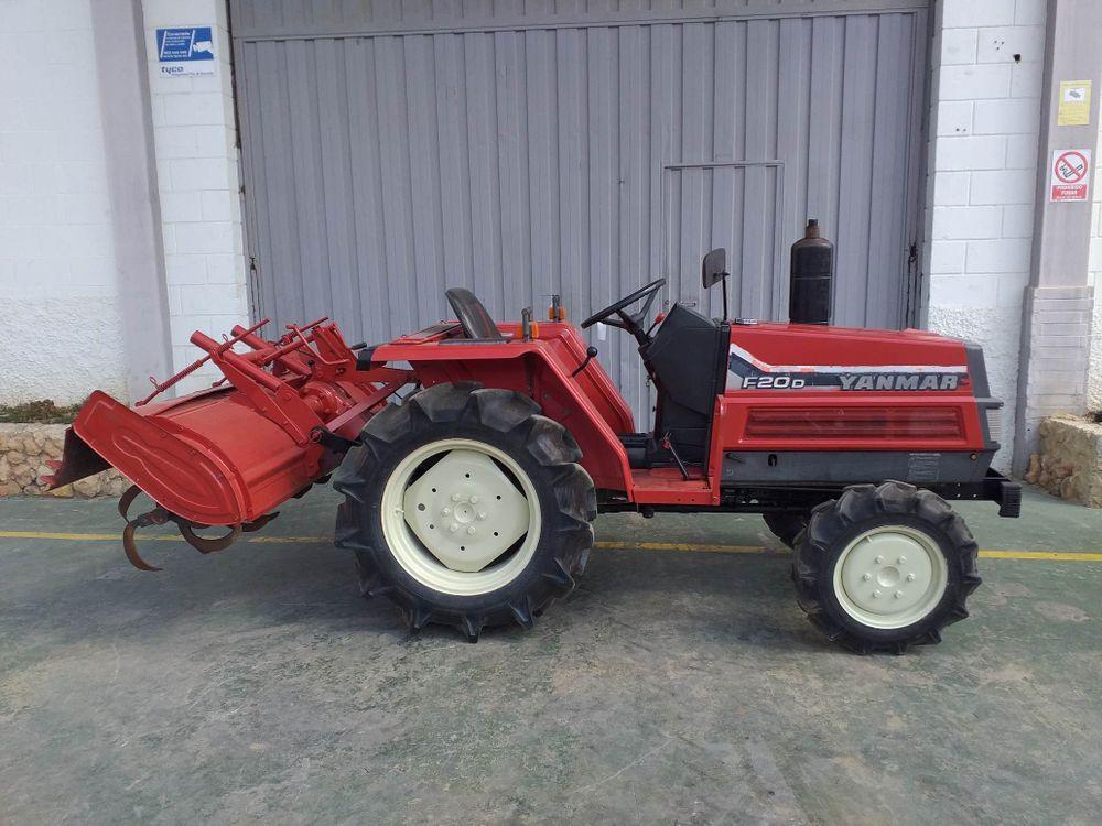 Tractor Yanmar F20D