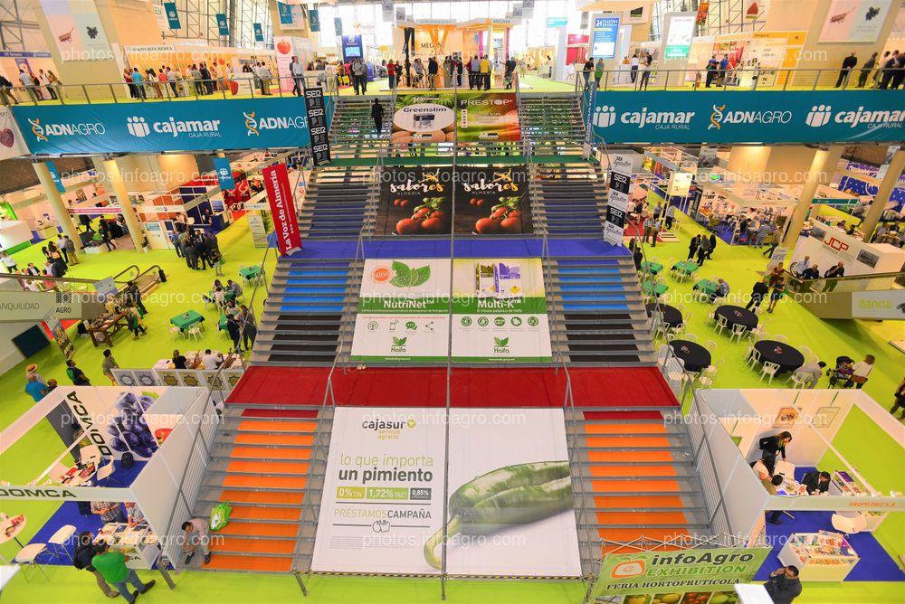 Escalera central - Espacios publicitarios Infoagro Exhibition