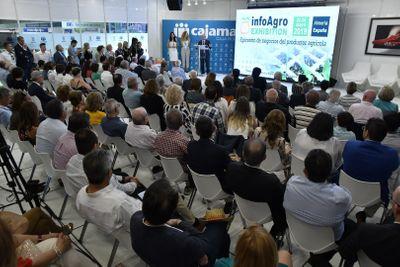 Ceremonia homenaje a los pioneros de la comercialización de frutas y hortalizas de Almería