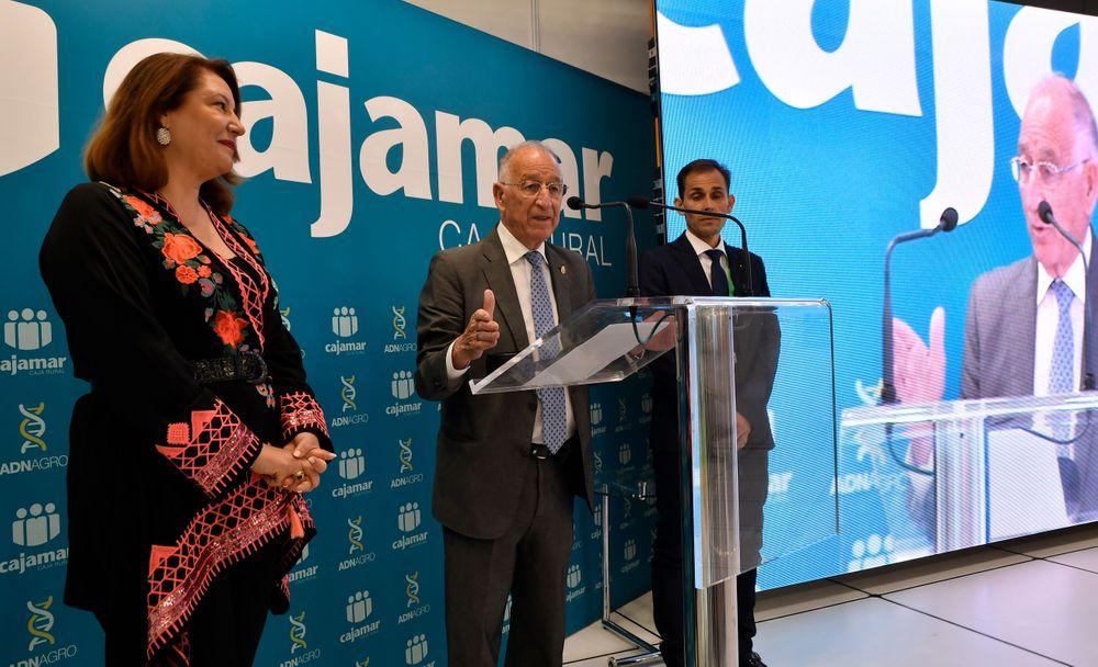 Carmen Crespo y Gabriel Amat durante el acto de entrega de Premios de Infoagro Exhibition 2019
