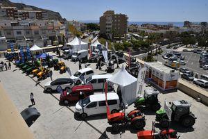 Maquinaria y vehículos comerciales expuestos en el exterior en Infoagro Exhibition 2019
