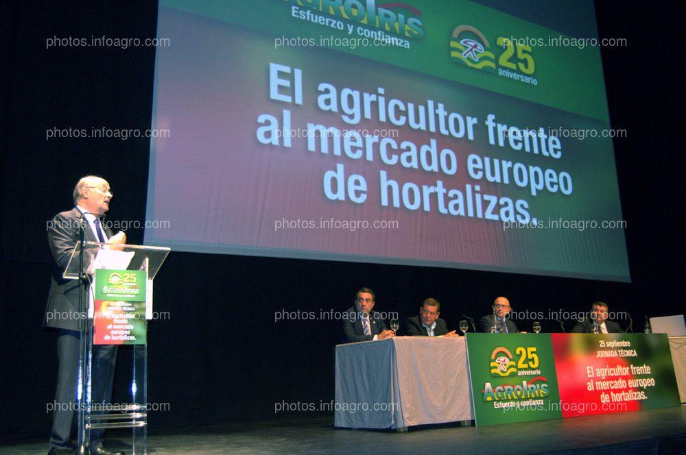 Juan Antonio Díaz Planelles, durante su discurso en la clausura del acto de celebración del 25 Aniversario de Agroiris.