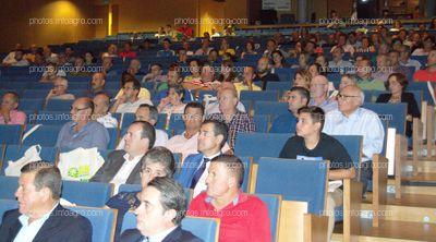 Asistentes al acto de celebración del 25 Aniversario de Agroiris.