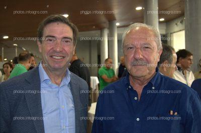 José Antonio Aliaga, secretario general de Agricultura de la Delegación provincial de la Junta de Andalucía en Almería, y Antonio Escobar Lara, Jefe del Área de Agricultura del Ayuntamiento de El Ejido, acudieron al acto de celebración del 25 aniversario de Agroiris.