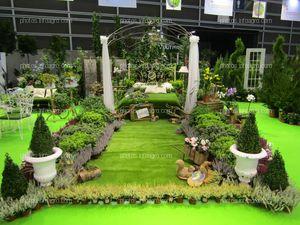 Stand de Viveros Gutiérrez con una idea de paisajismo y decoración para el jardín