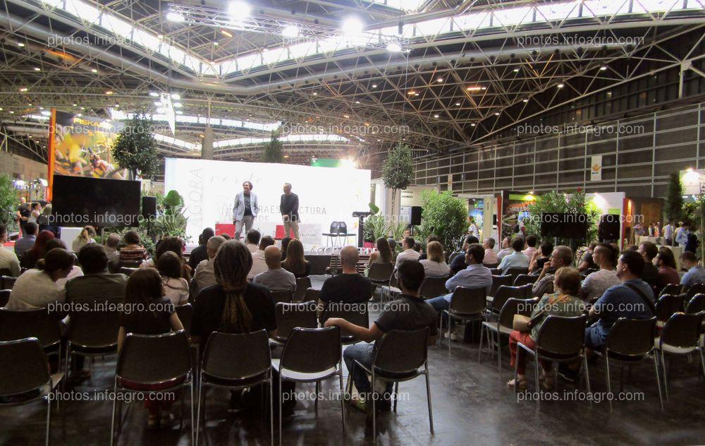 Una de las conferencias ofrecidas durante la celebración de Iberflora 2019