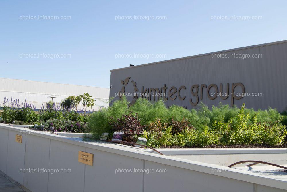 Entrada al MAAVi Innovation Center de Kimitec Group
