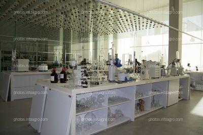Laboratorio de botánica del MAAVi de Kimitec